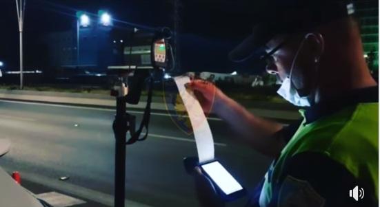 """""""Fluturojnë"""" me 170 km/h, policia bllokon 15 patenta në """"Tiranë-Durrës"""""""