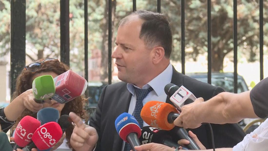 """Çfarë po ndodh me opozitën në Kuvend? Maliqi: Jemi 11 deputetë që do votojmë """"Zgjedhoren"""""""