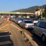 Fluks i lartë mjetesh në piken kufitare të Morinës, për 2 orë hyjnë rreth 8 mijë qytetarë