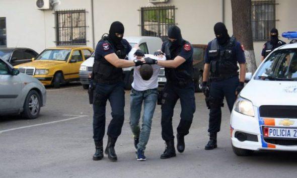 """Operacioni """"Domosdova"""" në Elbasan, arrestohet 30-vjeçari nga Kuçova, i gjashti i grupit të drogës"""
