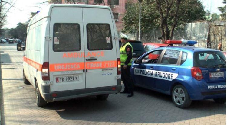 Motori del nga rruga, plagosen dy policë në Orikum