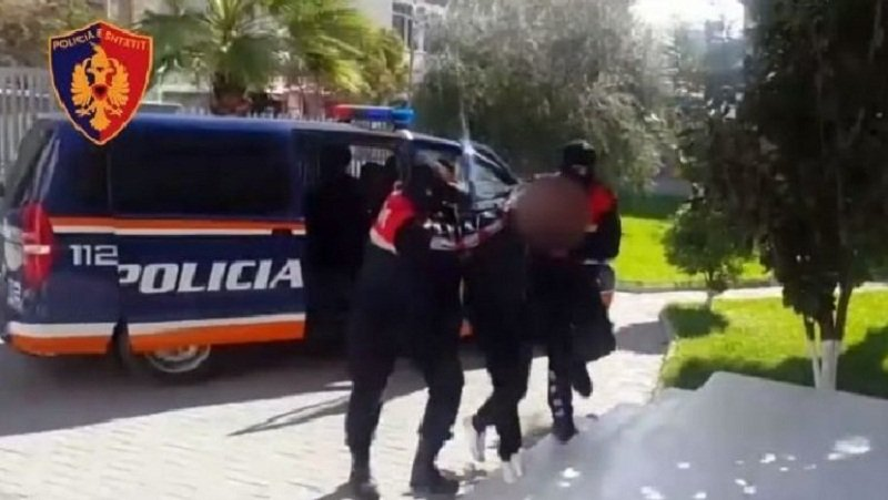 Dy të arrestuar dhe 4 të proceduar në Durrës, policia jep detajet