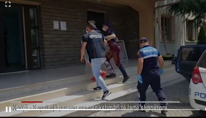 EMRI/ Pjesëtar i një grupi kriminal, policia arreston të rrezikshmin e Korçës