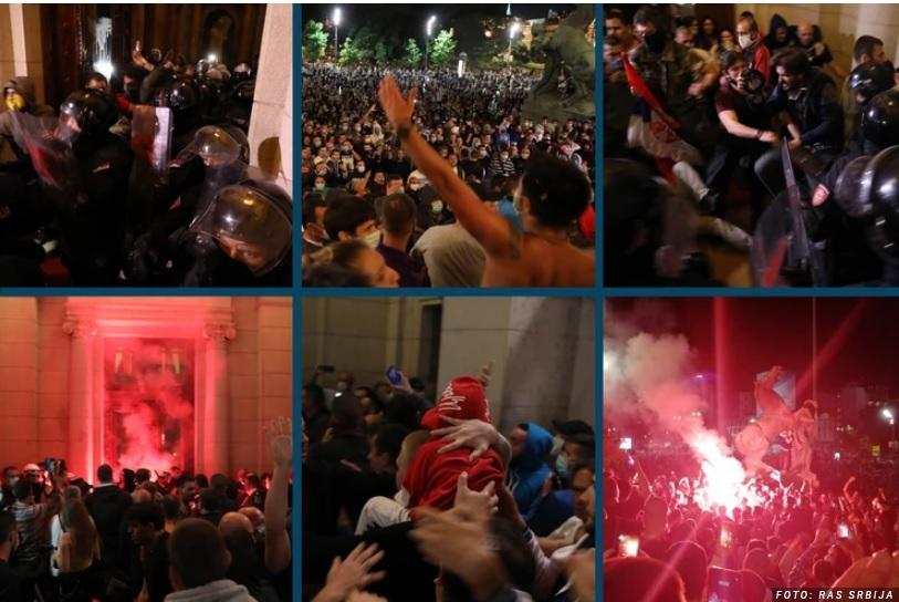 """VIDEO/ """"Shpërthen"""" në Beograd, protestuesit mësyjnë parlamentin e Serbisë"""
