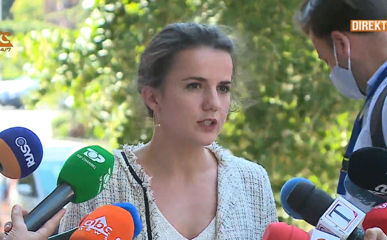 Rudina Hajdari largohet nga mbledhja e Këshillit Politik: Kam një angazhim personal