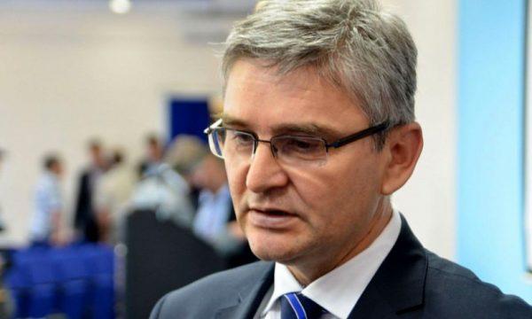 Humb jetën nga koronavirusi ministri për Mbrojtje në Bosnje Hercegovinë