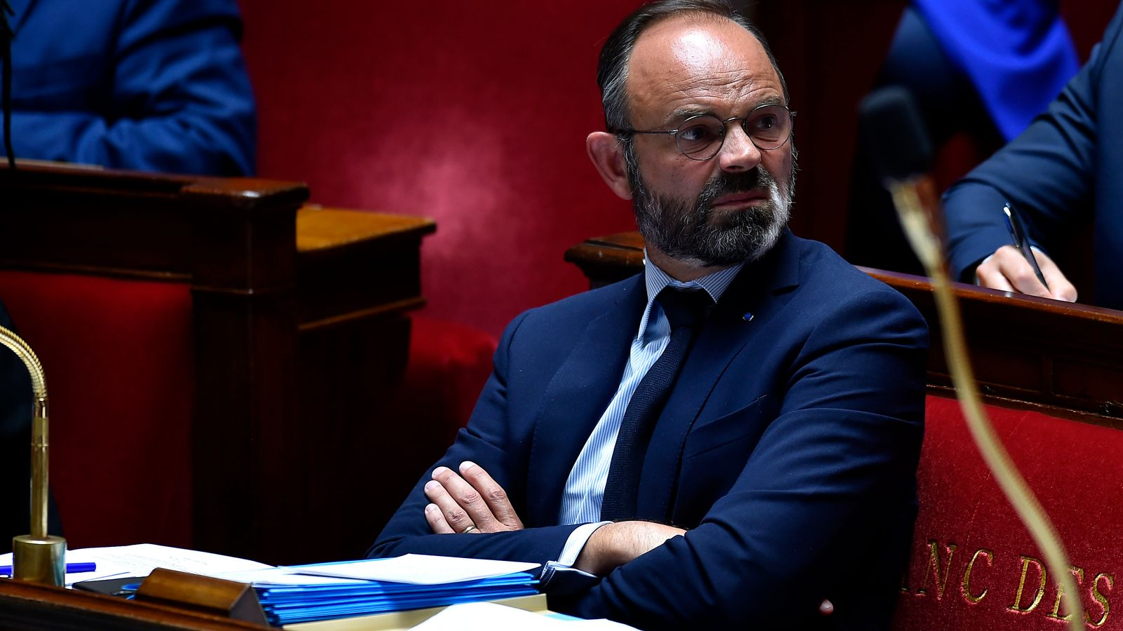 Kryeministri i Francës jep dorëheqjen