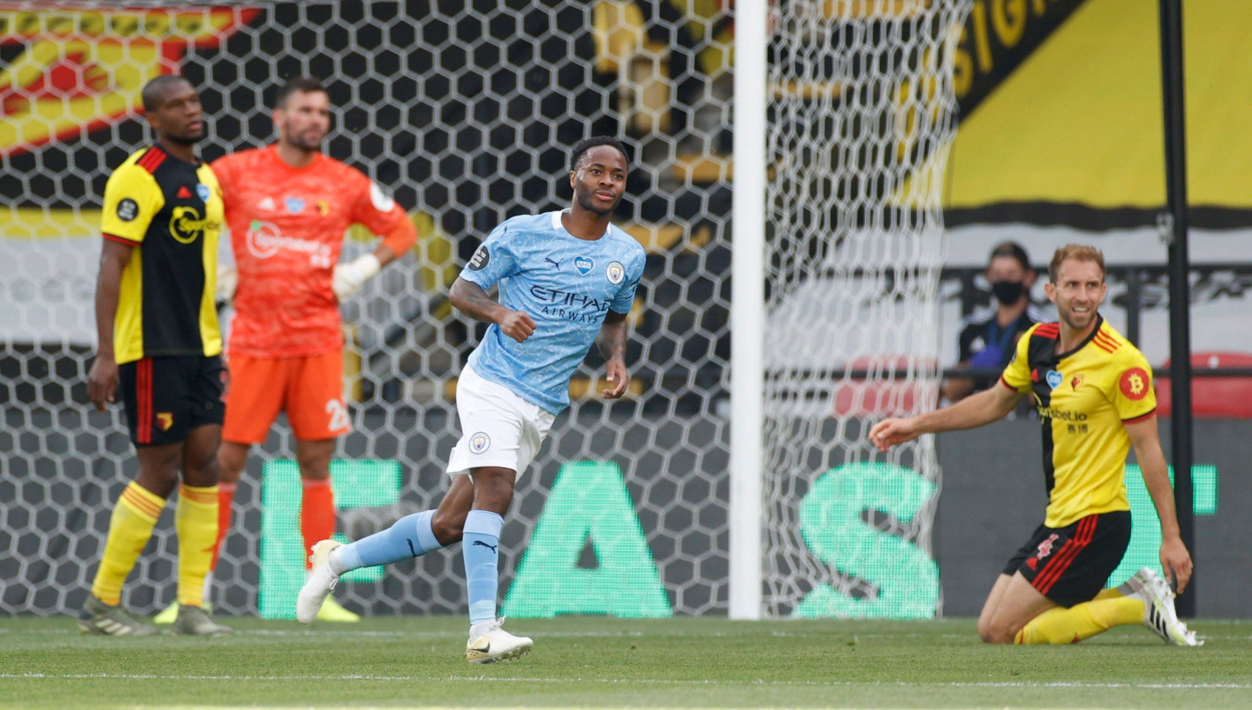 VIDEO/ City nuk ka mëshirë, Sterling shënon golin e 17-të në Premier