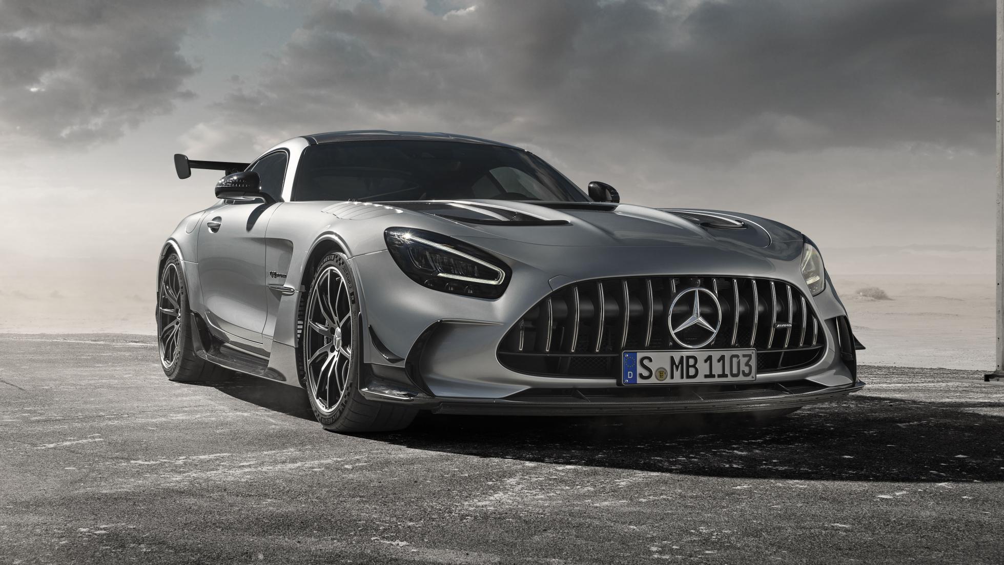Mercedes prezanton AMG GT Black me motorin më të fuqishëm