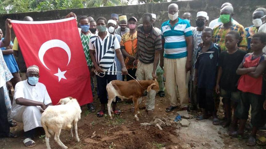"""Togolezët festojnë me kurban kthimin e """"Shën Sofisë"""" në xhami: Erdogani, lider i Afrikës dhe gjithë myslimanëve"""