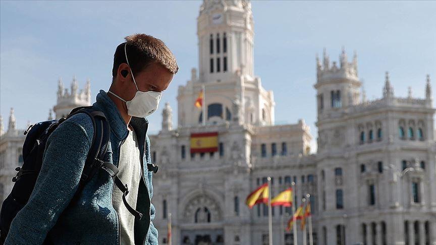 Hotelet në Spanjë ofrojnë teste falas për Covid-19 për turistët e huaj