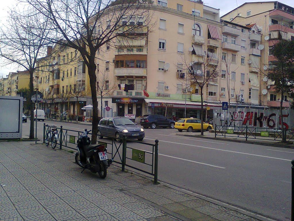"""Bllokohet rruga e """"Durrësit"""" në kryeqytet, si devijon qarkullimi"""