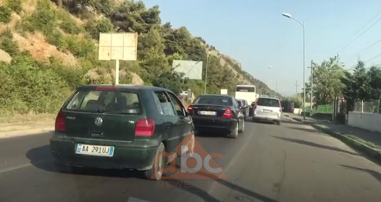 VIDEO/ Rëndohet trafiku në rrugën e Shëngjinit, radha e makinave rreth 5 km e gjatë