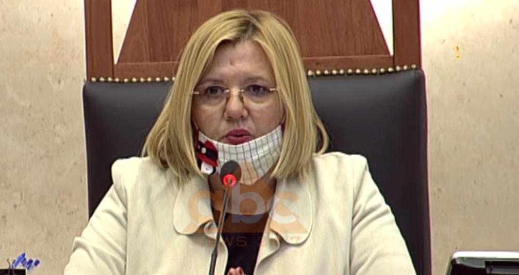 Deputetët sfidojnë hapur vendimin e qeverisë për maskat, Hysi: Rrezikojmë 7 milionë lekë gjobë