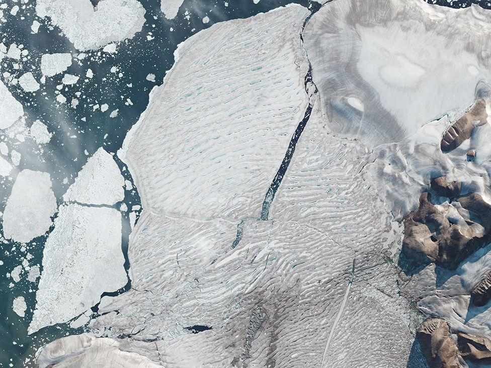 FOTO/ Sateliti kap fenomenin e rrallë në Arktik