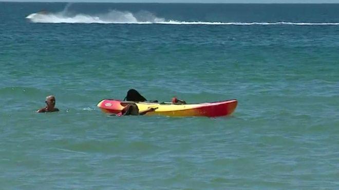 Presidenti portugez shpëton dy gra që rrezikuan të mbyteshin në det