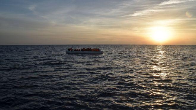 Anijes i shpërthen motori, humbin jetën 45 emigrantë në Libi