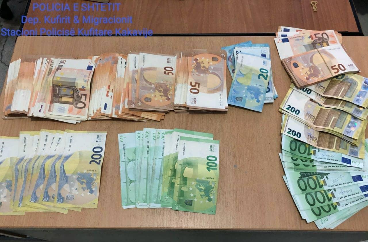 Sekuestrohen mbi 30 mijë euro në Kakavijë, nën hetim dy grekë dhe një shqiptar