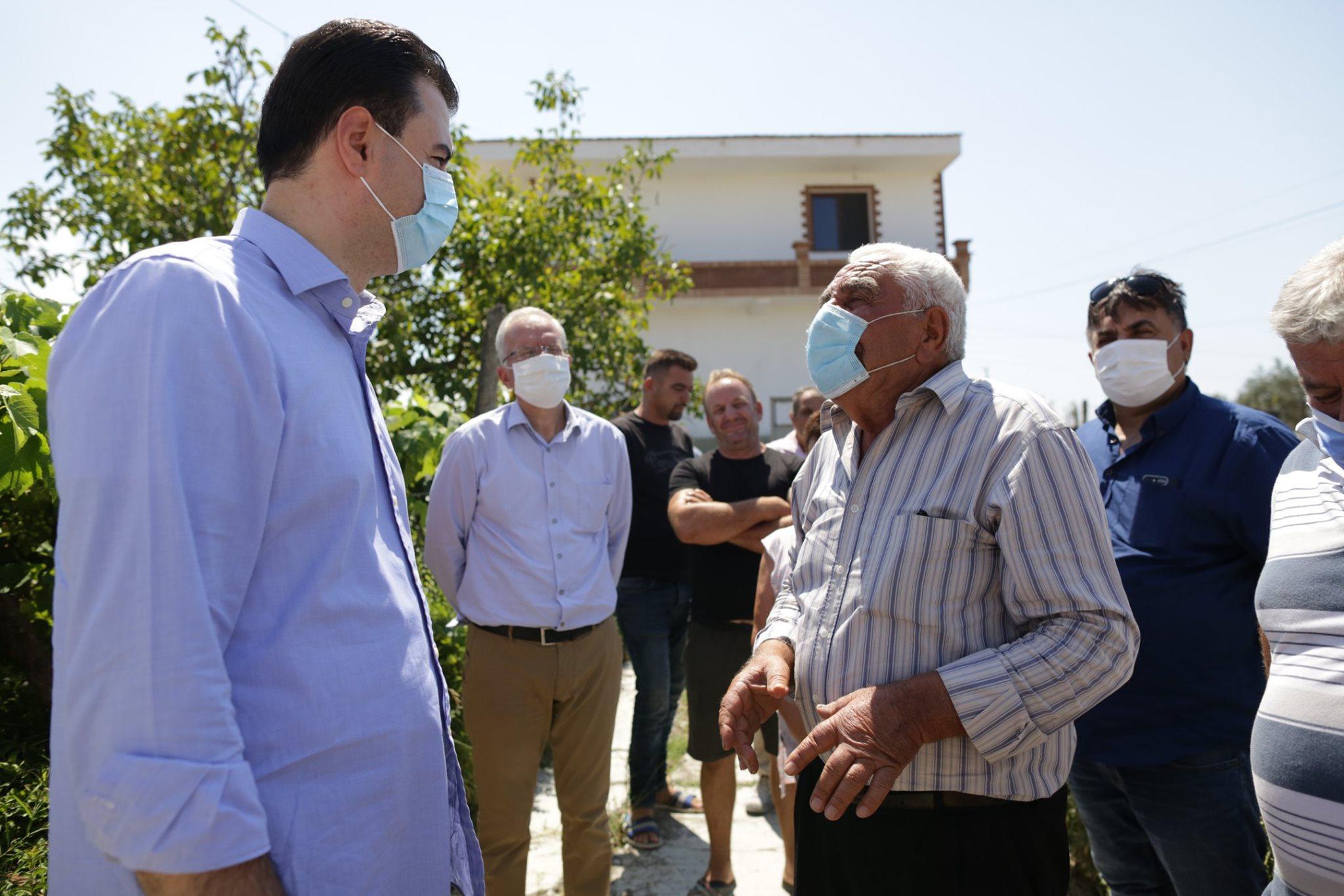 Prej kohësh jetojnë në çadër, Basha dhe Xhaferaj vizitojnë familjen e prekur nga tërmeti