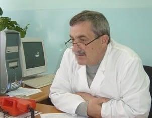 Humbje tjetër nga bluzat e bardha në Kosovë, Covid-19 i merr jetën mjekut