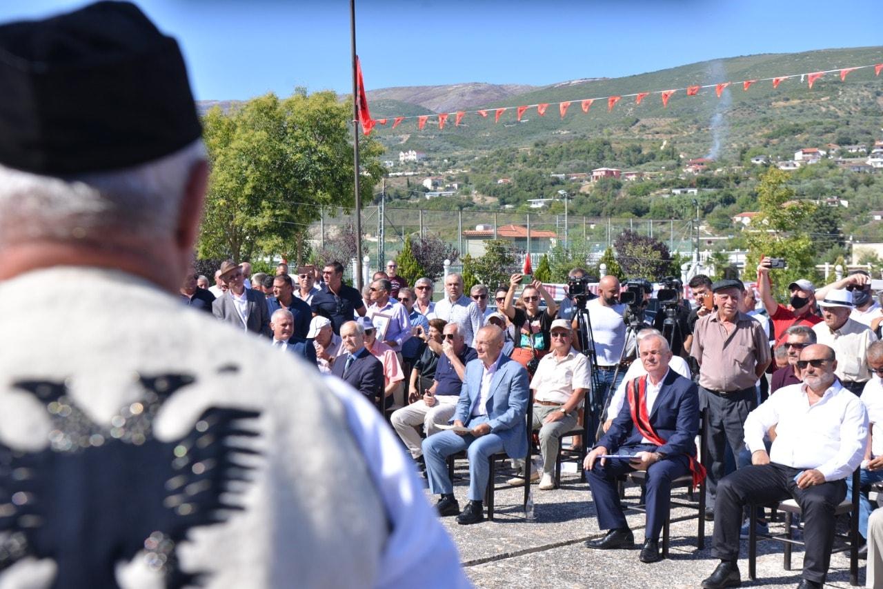 Presidenti Meta vlerëson 38 figura të shquara patriotike të krahinës së Lumit të Vlorës