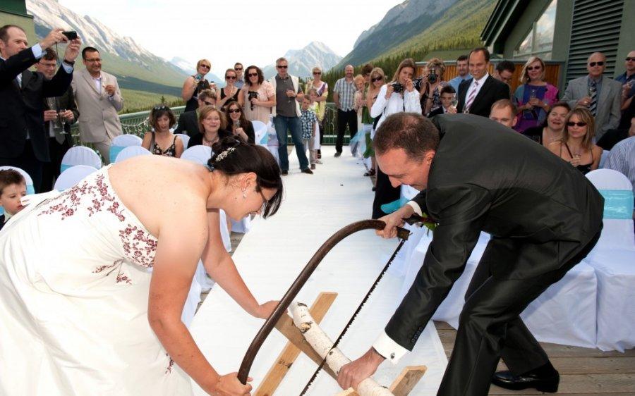 Traditat më të çuditshme të dasmave në botë