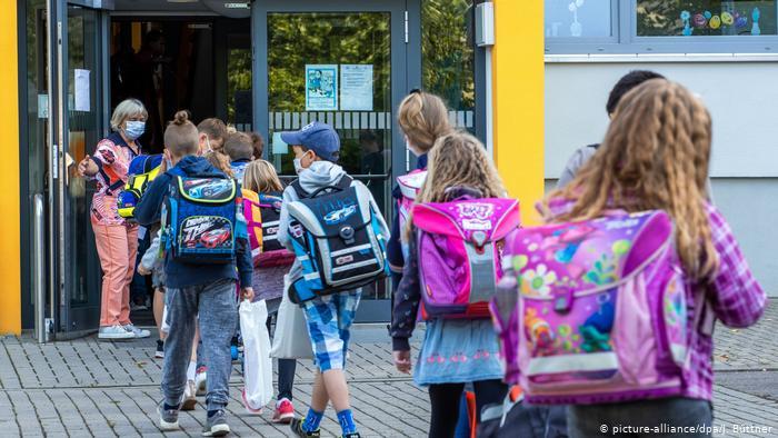 DW: Gjermania në prag të valës së dytë të pandemisë, numri i infektimeve, në rritje