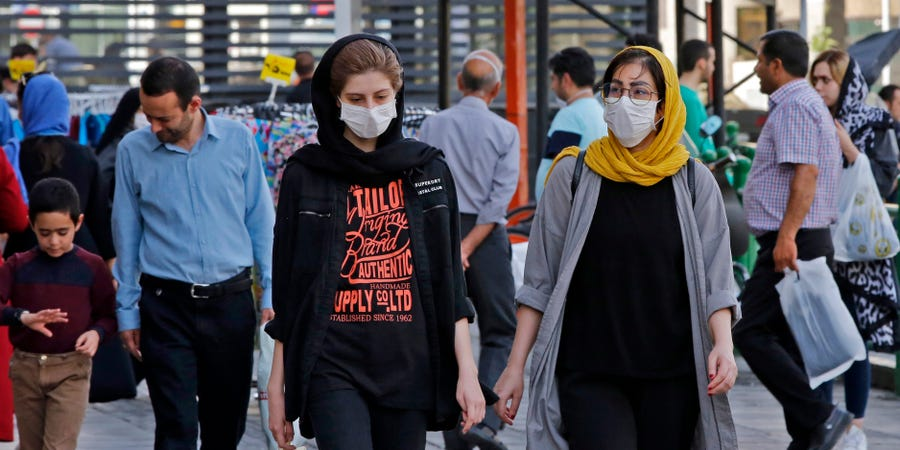 Irani fsheh shifrat reale të pandemisë, viktimat 3 herë më shumë seç janë raportuar