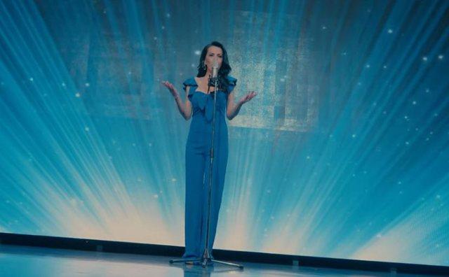 """""""E dua veten ashtu siç jam"""", këngëtarja shqiptare flet për operacionet plastike"""