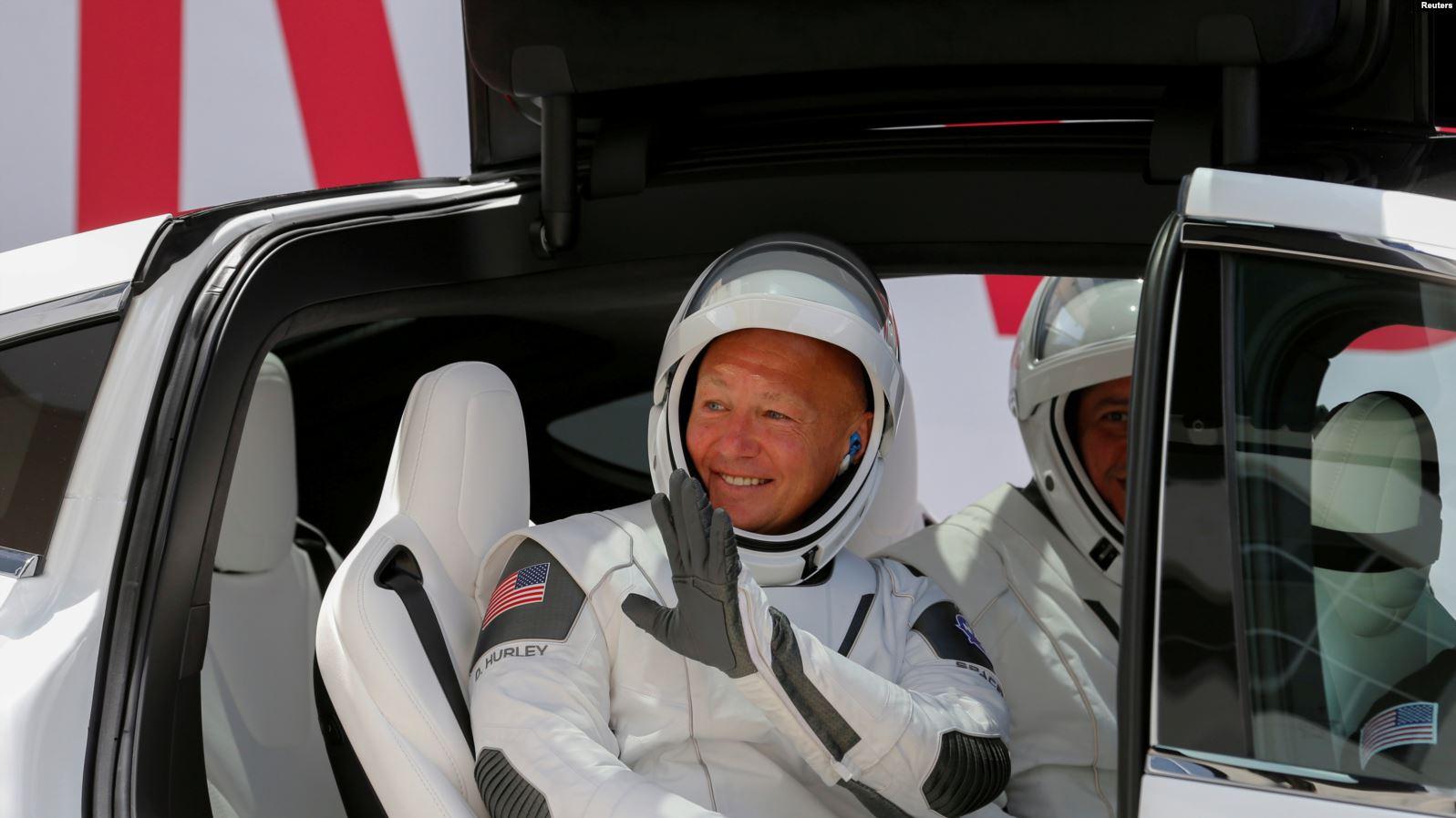 Pas dy muajsh në hapësirë, astronautët e NASA-s kthehen në Tokë