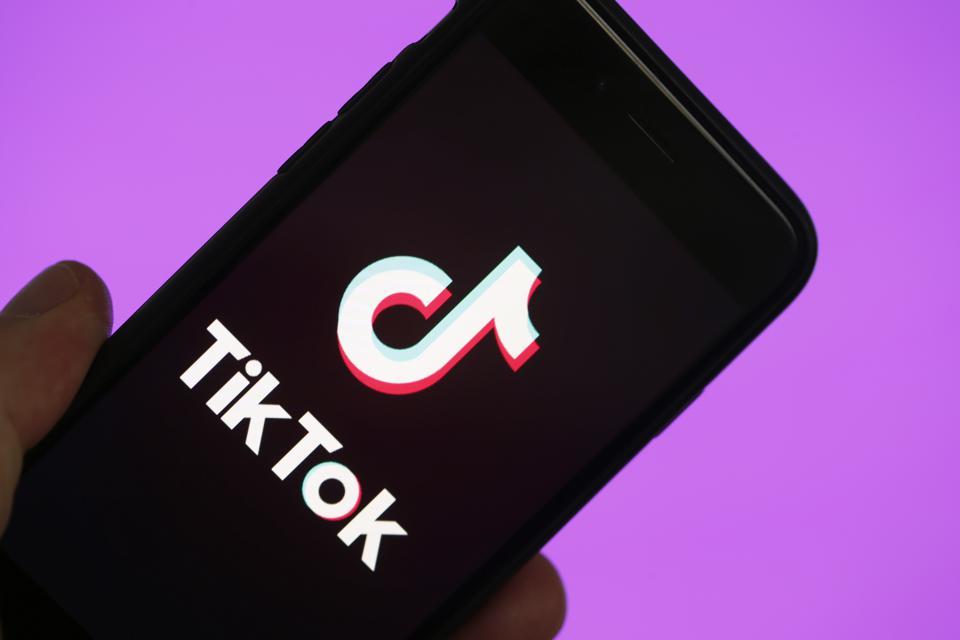 Radio Televizioni i Suedisë ua ndalon zyrtarisht punonjësve përdorimin e TikTok
