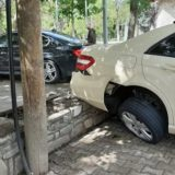 Shmanget tragjedia! Katër të plagosur në Tiranë, makina përplas këmbësorët në trotuar