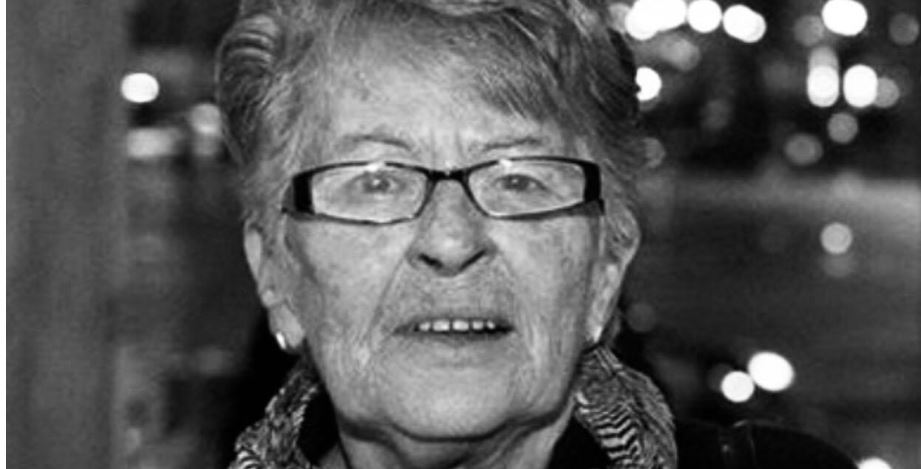 Prime Minister's mom, passed away: You were the light of the house, rest in peace mom