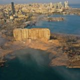 FOTO/ Tmerri në Liban, kjo është gropa gjigante e shkaktuar nga shpërthimi