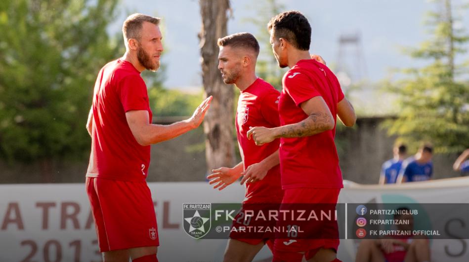 Daja debuton me barazim në krye të Partizanit, Asani ndjek nga tribuna