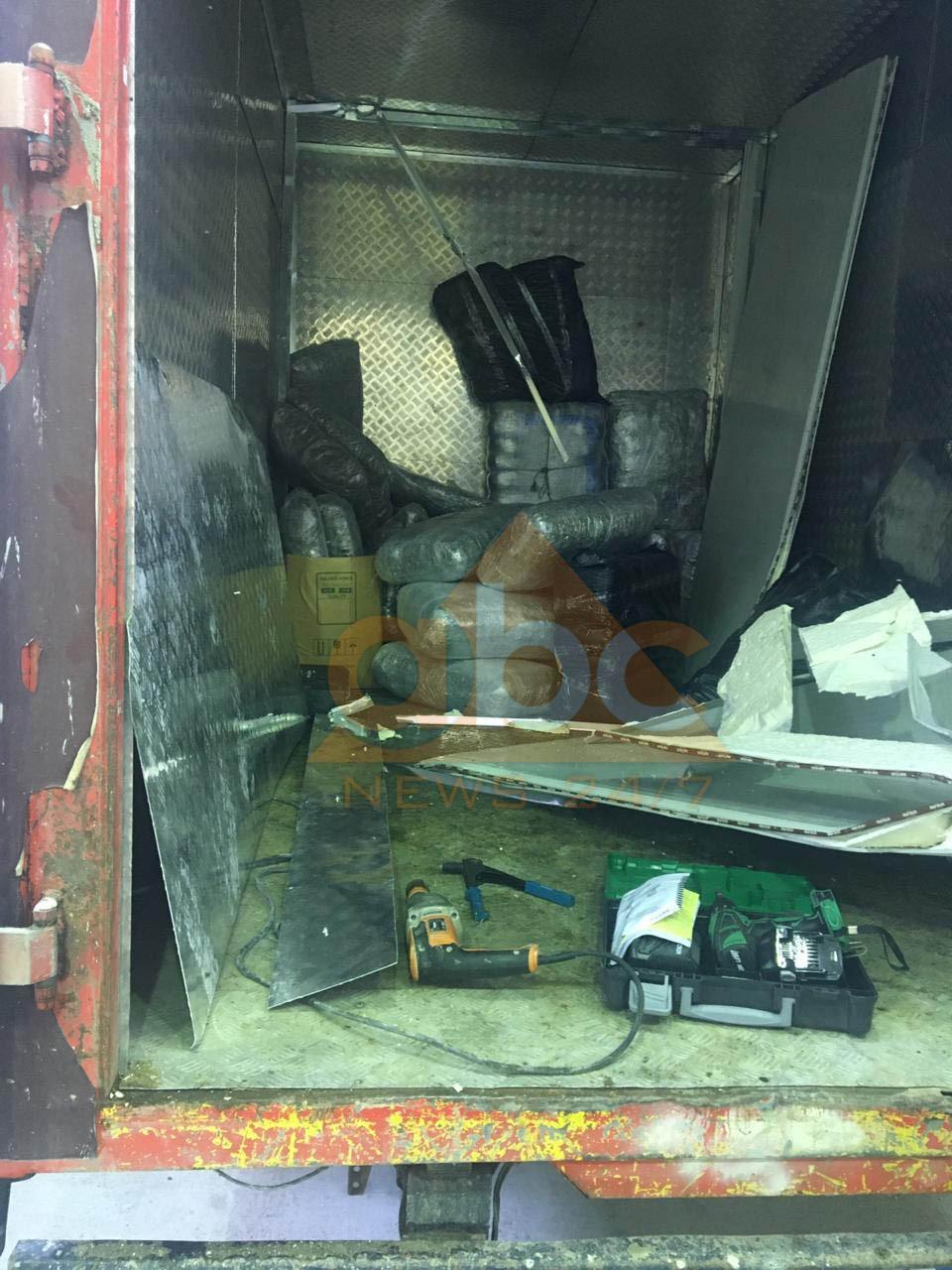 Kapet kamioni me mbi 200 kg drogë në doganën e Bllatës