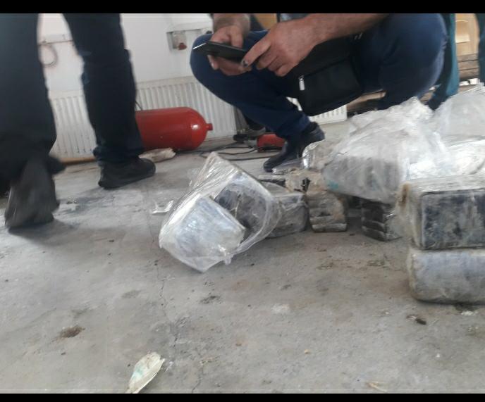 53 kg drogë në bombola gazi, kapet italiani në Muriqan