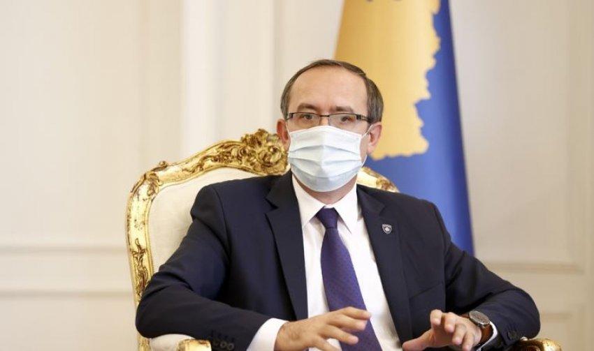 U infektua me COVID-19, Avdullah Hoti u përgjigjet kritikëve