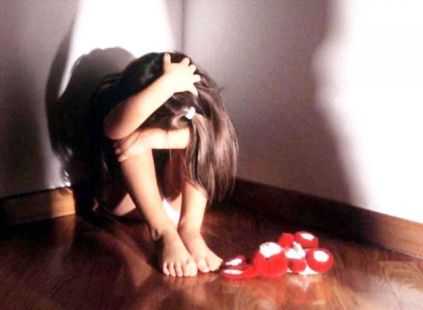 Abuzoi seksualisht me dy të mitura, arrestohet një person
