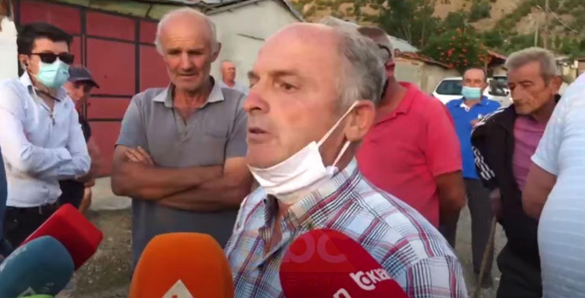 """""""Duam ujë, rrugë, ndriçim dhe kanalizim"""", banorët e fshatit Barçë në Korçë dalin në protestë"""
