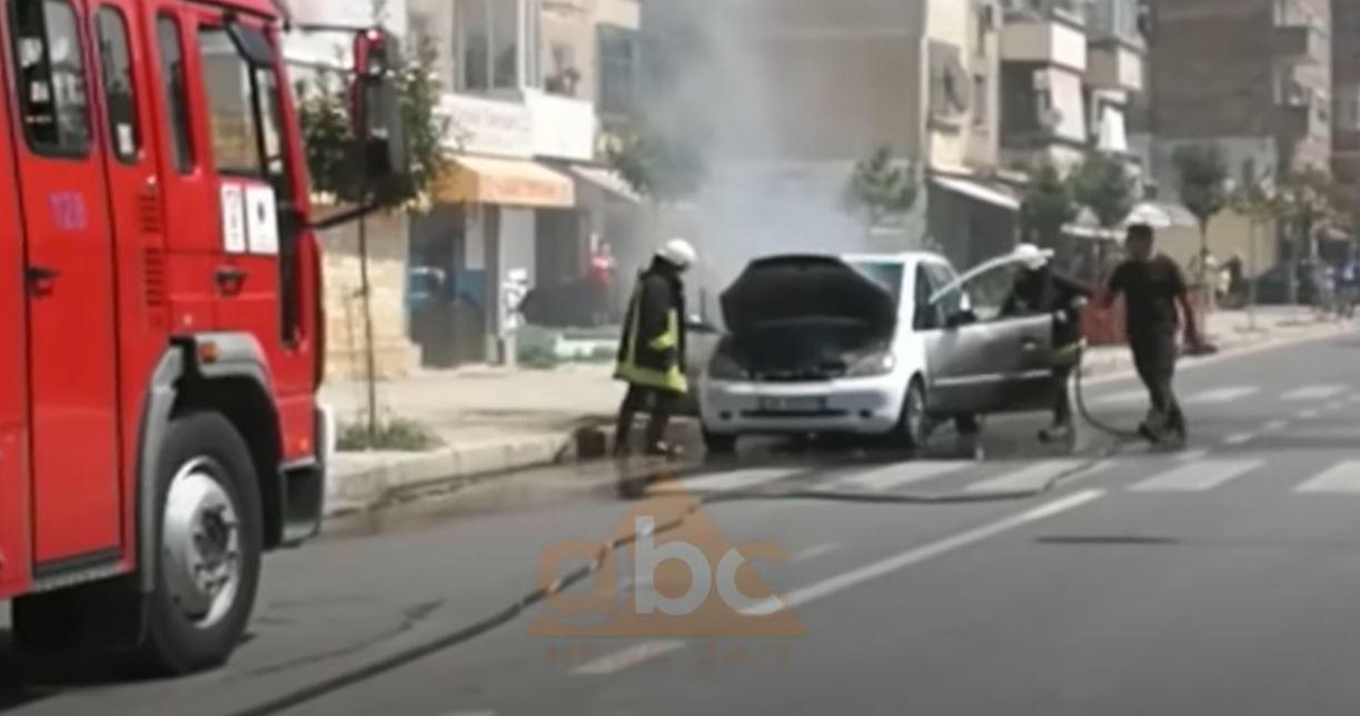 VIDEO/ Digjet një automjet në Berat, shpëton për mrekulli shoferi