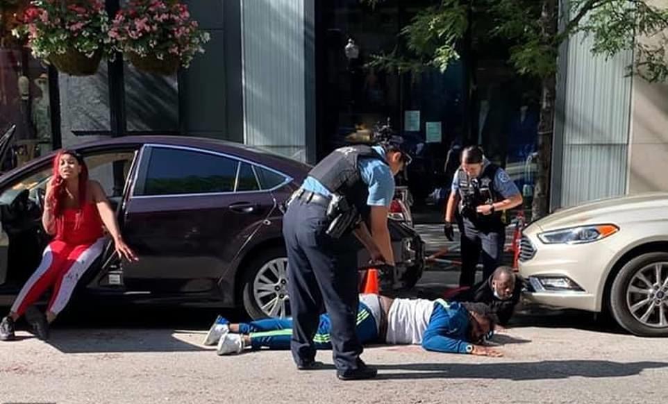Ndërron jetë reperi amerikan, qëllohet me armë gjatë një sulmi në Chikago (VIDEO)