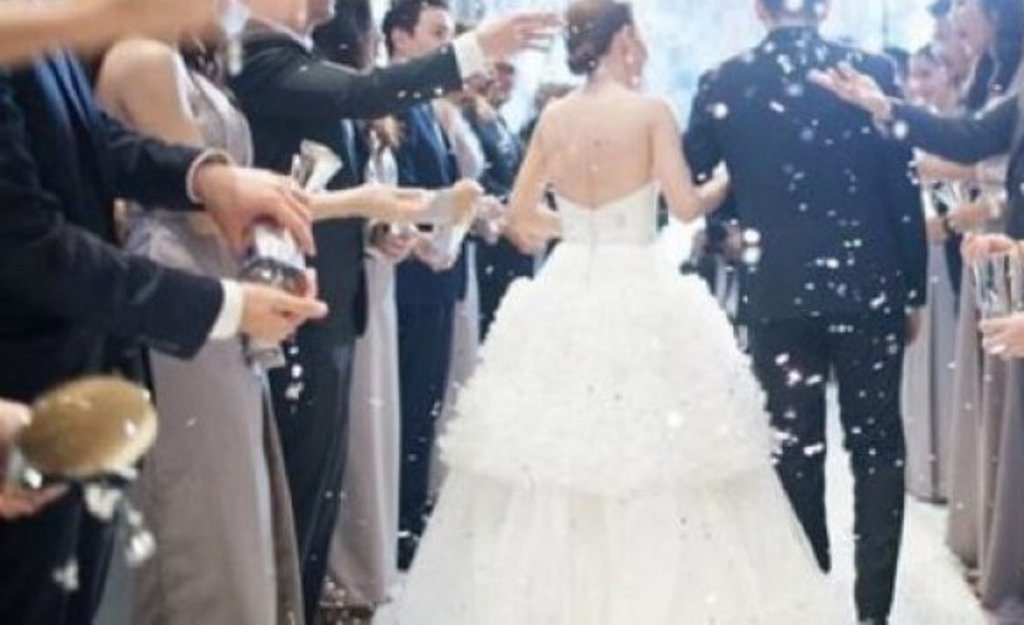 Organizonte dasma, gjobitet me 1 milionë lekë pronarja e restorantit në Kamëz