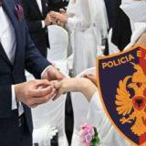 Dasmë në kohë COVID-i, policia u prish festën fierakëve! 1 mln lekë gjobë pronarit të lokalit