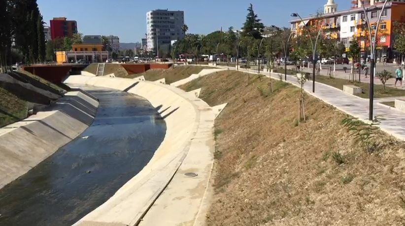 Ndotet sërish Gjanica në Fier, shëndeti i banorëve në rrezik