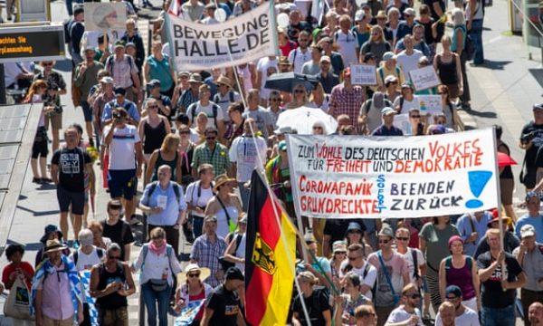 Mijëra gjermanë protestuan kundër masave kufizuese të pandemisë