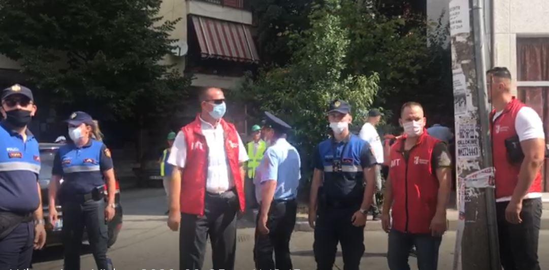"""Shembja e banesave tek """"Vasil Shanto"""", INUV arrin marrëveshje me familjen që bëri rezistencë"""