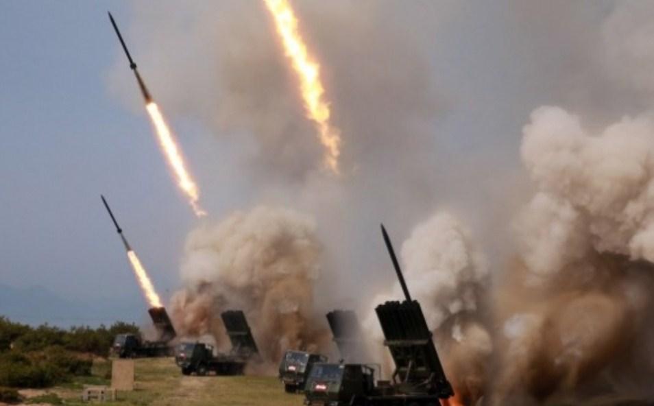 Hungaria blen raketa amerikane