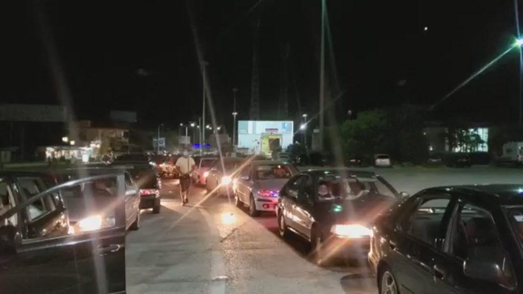 Merr fund kriza e Kakavijës, kalojnë të gjitha makinat: Rregullat strikte të futjes në Greqi nga sot