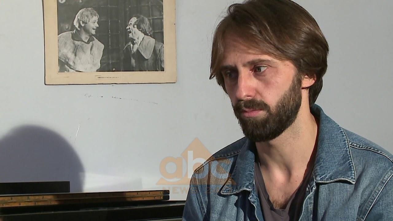 """Artisti shqiptar Robert Bisha koncert në Shkodër, sjell """"freskinë"""" me muzikën e tij"""